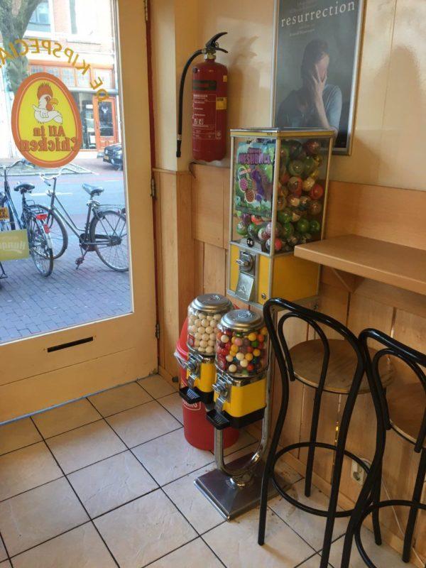 Gele verassingsautomaat