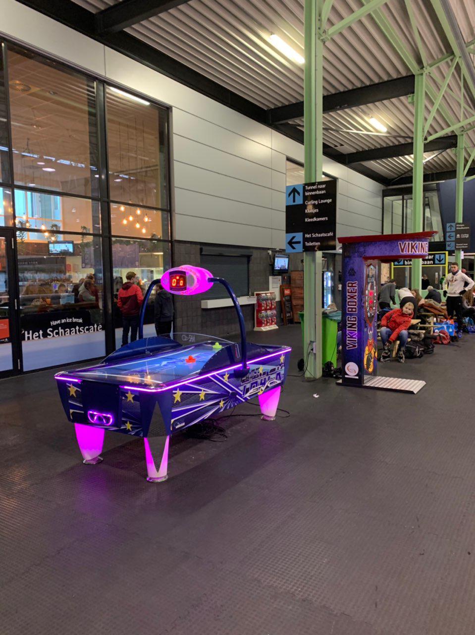 Airhockey, boxbalmachine, capsuleautomaten
